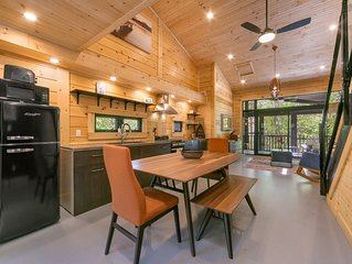 **AVAILABLE FOR UPCOMING LONG WEEKEND** Muskoka Luxury Tiny House & Yurt