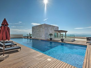 Coastal Mexico Penthouse w/Views & Rooftop Pool!