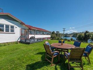 Stunning homestead on the lakes edge