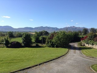 Dun Aonaigh with spectacular mountain views. Enjoy a peaceful country retreat.