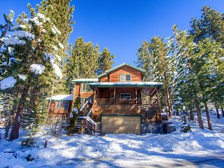 Luxury Home, Huge Deck w/Hot Tub, BBQ, Forest, Fireplace, 3/3 (HCH0808)