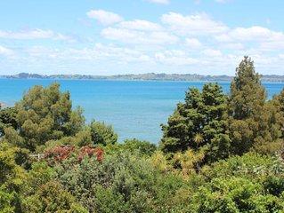 Campbells Beach Getaway with stunning views
