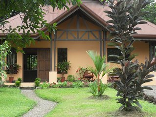 Private, quiet home in best area of La Fortuna, close hot springs!