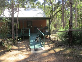 Chalet 1. Wheelchair, family and pet friendly, just 5 kms from Nannup