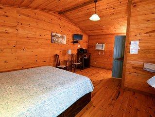 Tasteful king room in restful surroundings