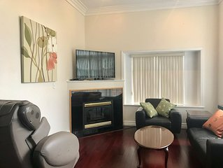 Beautiful Metrotown Location House for 6 People