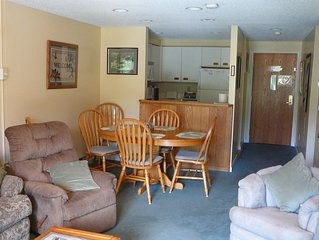 White Mountains NH Resort Condo with Kitchen - 2 baths - Indoor Pool - Sleeps 7