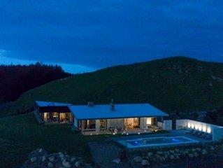 Luxury Home with breath-taking Te Mata Peak Views