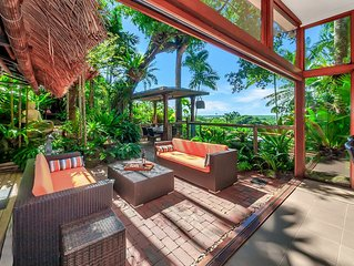 A Touch of Bali - Resort Style Luxury 4 Br w/Pool and large outdoor entertaining
