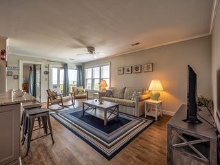 Sandy's Spot - Rare 2 Bedroom Oceanfront Home in Avon