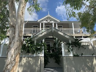 Grand Turn of Century Luxury Queenslander Leafy Inner City Paddington/Red Hill
