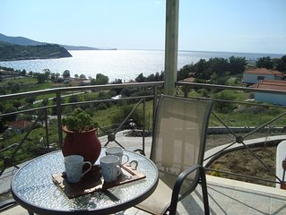 Located in Anaxos, this apartment is within 200m from Anaxos Beach uphill