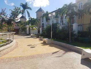 ROSI Ocean Sand Hotel Apt(* Sandcastles) 1 bdm 3 beds.  free beach,pool, parking