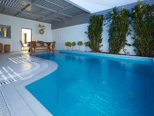 Traditional Villa with Private Heated Pool