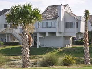 Bald Head Island -The Snappy Turtle -- The Perfect Location and Renovated!