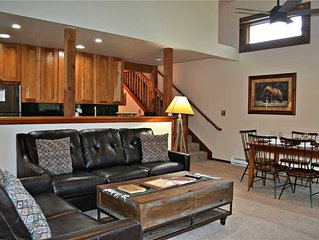 Aspens Pines 321: 2Br+Loft - The Aspens - Renovated with Cozy Rock Fireplace and