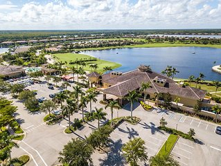 Stunning top floor condo with all the amenities. Golfers paradise! Relax & Enjoy