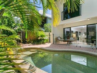 Palm Cove Retreat * Palm Cove