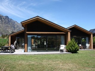 Modern Family Home - available long weekends and school holidays!