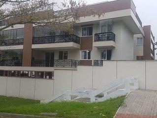 Apartamento alto padrão de 130m2 à 200m da praia de camboinhas.
