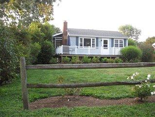 Narragansett, RI Cottage on Harbour Island - water views