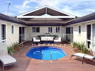 POOLSIDE, Gerringong -  4pm check out Sundays!