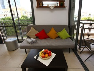 New  cozy apt SUNNY HOME Center of Dizengoff for 4 people