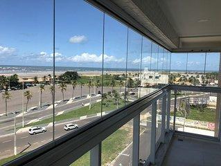 Apartamento novo, completo, na orla de Aracaju.