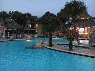 Slow Mo 17AD-Beautiful Beach Cottage * the Purple Parrot Resort/Perdido Key FL