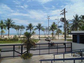 APTO FRENTE MAR ALTO PADRAO ## servico de praia cortesia ###