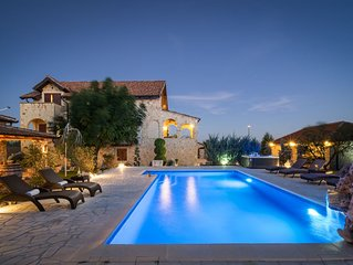 Beautiful stone villa Olea with private pool, jacuzzi and sauna , near Vodice