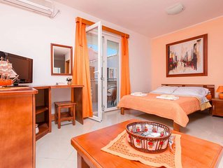 Superb location next to the sea