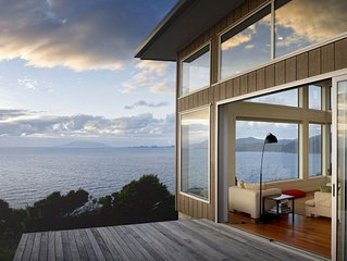 XSPOT cliff-top eco-holiday apartment for two 4WD