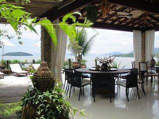 Belíssima casa com praia privativa em Ilha - 5 suites