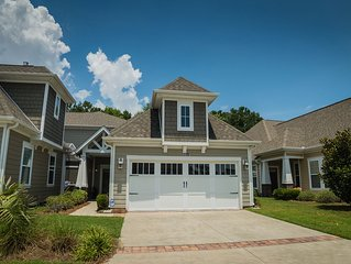 Spacious Four Bedroom Townhome Located at Clearwater Bay in Barefoot Resort!!!