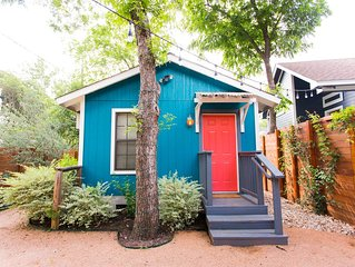 The Johanna Bee | Just 6 mins from Downtown, Walk to SoCo, Live Like a Local!