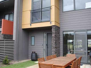 Surfcoast Townhouse in Torquay