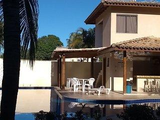Casas com 2 suítes + 1 quarto + um  banheiro social perto do Parque Aquático