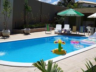 Linda casa de praia com piscina a 200m da praia Jacuipe, condominio fechado
