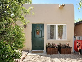 Less than 1 mile to Plaza-Serene and Spacious Adobe Casita for 4!