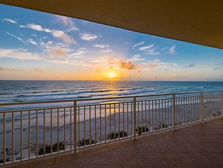 Spacious Direct Oceanfront 3 Bed/3 Bath