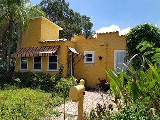 Gulfport arts district charming restored 2 bedroom bungalow! Pet Friendly!