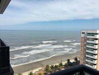 Lindo apartamento com vista para o mar, para familia, 2 quartos e 2 banheiros.