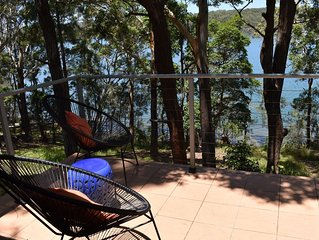 Amaroo on the Waterfront, kayaks, table tennis, wood fire, lake views, BBQ