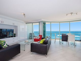 2 Bedroom Ocean View Apartment with expansive beach and ocean views