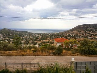 Vicky's Inn - Cozy Guesthouse On Apex Of Hill Overlooking Saronikos Sea
