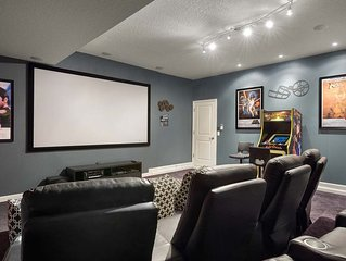 Minutes to Disney-Theater Room-No Rear Neighbors-Private Pool/Spa-Free Amenities