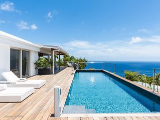 Expansive Sea Views, Swimming Pool, Close to the Best Beaches, Shopping, and Din