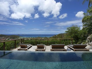 Luxurious and Contemporary Villa, Long Heated Pool, Breakfast, Fully-Equipped Ki