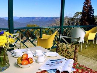 Blue Mountains Rhapsody-Clifftop Point Blank Views